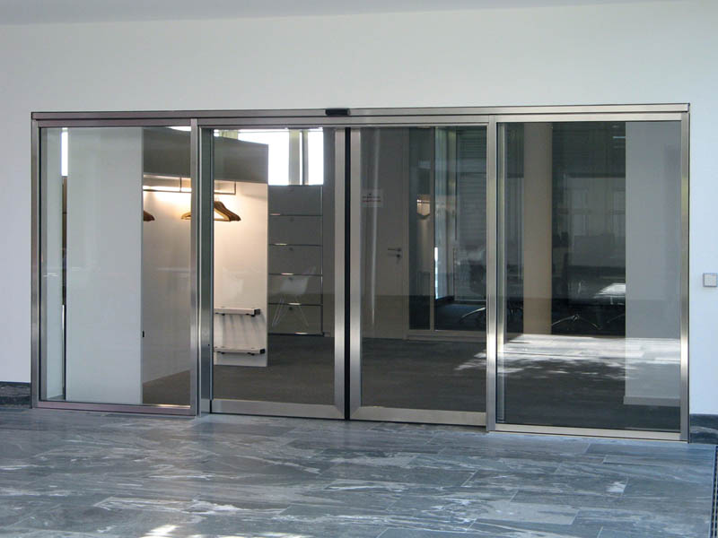 стеклянные двери стекло