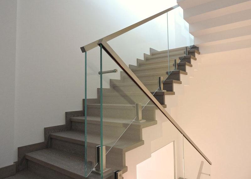 цена лестничные ограждения из стекла
