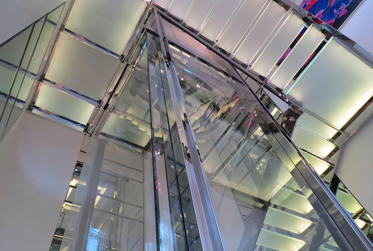 лифтовые шахты стекло