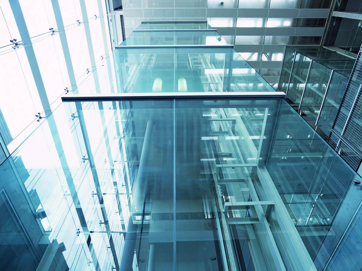стеклянные лифтовые шахты заказать